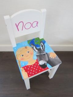 'Noa', Kraamcadeau stoeltje in opdracht, acrylverf