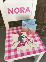 'Nora', kraamcadeau stoeltje